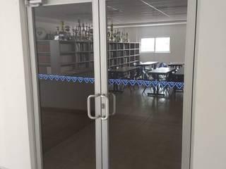 VENTANERIA ESCOLAR vertikal Puertas estilo clásico Aluminio/Cinc Gris