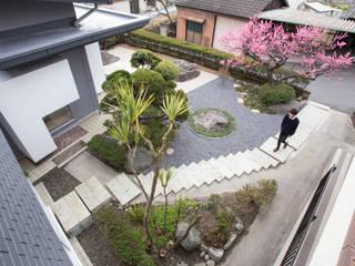 by 1-1 Architects 一級建築士事務所 Modern