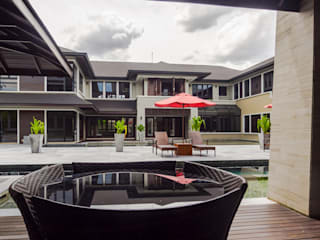 Luxury Bungalows @ Lorong Gurney Kuala Lumpur Tropical style balcony, porch & terrace by Mode Architects Sdn Bhd Tropical