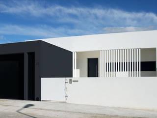 BKO House: Casas  por RPJD.Arquitectos,