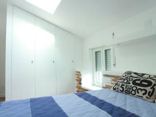 Monteiros House Reab: Quartos  por RPJD.Arquitectos,