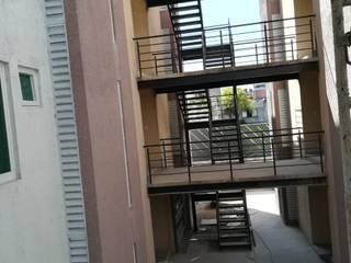 Construccion de Escaleras Metálicas de AXKAN ESTRUCTURASyCONSTRUCCION Minimalista