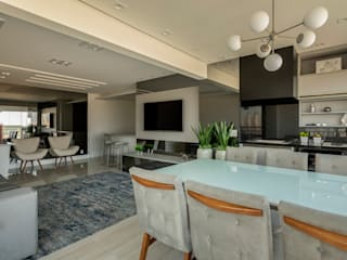 Dining room by LAM Arquitetura | Interiores,