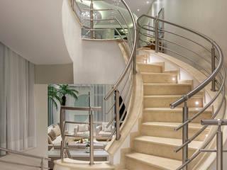 Casa Antúrio por Designer de Interiores e Paisagista Iara Kílaris Moderno