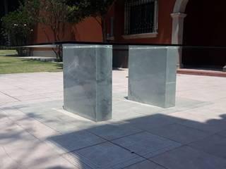 Mesa con bases de mármol de Pertorr Diseños en Mármol y Carpintería Moderno