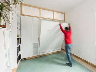 Dormitorios minimalistas de Eeestudio Minimalista