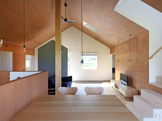 Ruang Keluarga Gaya Eklektik Oleh JMA(Jiro Matsuura Architecture office) Eklektik