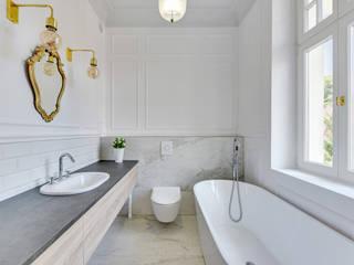 Urokliwy apartament w Sopockiej kamienicy Skandynawska łazienka od Pro-Plan-Foto Skandynawski