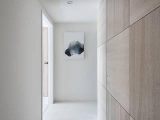 NUDE 斯堪的納維亞風格的走廊,走廊和樓梯 根據 知域設計 北歐風