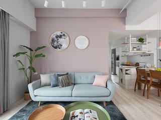 Salas de estar escandinavas por 知域設計 Escandinavo
