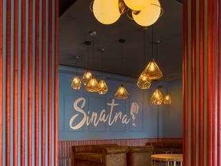 Sinatra, el nuevo local de moda de Santa Clara, Sevilla: Salones de estilo  de MisterWils - Importadores de Mobiliario y departamento de Proyectos., Moderno