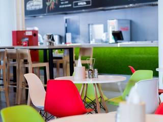 mlynchyk interiors Restaurantes Plástico