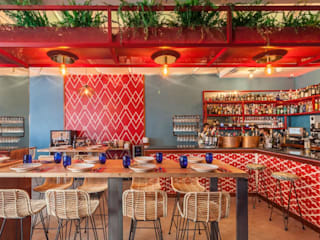 Mariola, un concepto innovador en Mairena del Alcor: Locales gastronómicos de estilo  de MisterWils - Importadores de Mobiliario y departamento de Proyectos., Moderno