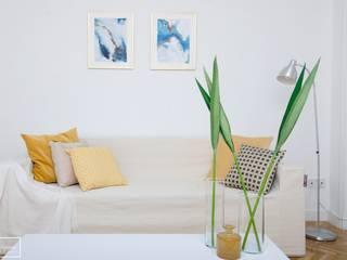 Theunissen Staging y Decoración SL Living roomSofas & armchairs Yellow