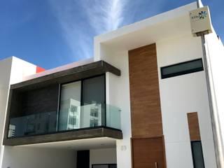 CASA DEL ANGEL 2: Casas de estilo  por RARQ