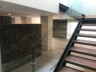 CASA DEL ANGEL 2: Escaleras de estilo  por RARQ
