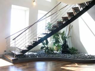 decoración bajo escaleras de Viviendo Verde Asiático