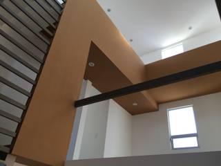 Casa Habitación Juriquilla. Querétaro. Estudios y despachos minimalistas de LOGFE GRUPO DE ARQUITECTURA Minimalista