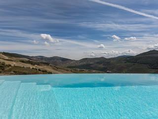 Infinity pool by MJARC - Arquitectos Associados, lda