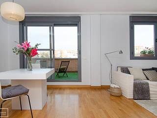 Theunissen Staging y Decoración SL Living roomAccessories & decoration Grey