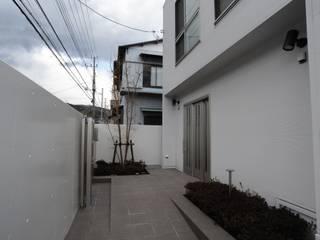 S邸 モダンな 家 の 秋山建築設計事務所 モダン