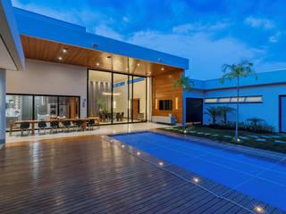 Casas em Montes Claros: Condomínios  por Ivan Araújo Fotografia de Arquitetura,Moderno