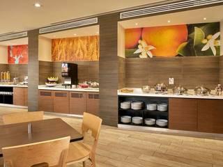 Hotel Fairfield Inn & Suites Nogales Comedores modernos de FM ARQUITECTOS Moderno