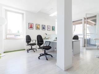 Minimalist study/office by Le Case di Erica | Interior&HomeStaging Minimalist