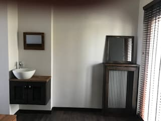 Halif Yapı Modern bathroom Wood-Plastic Composite Grey