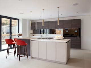 Built-in kitchens by PTC Kitchens