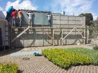 Muro Verde y Muro Lloron de Grupo Inza Moderno