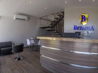 Hotel Betania de CAMALEON DISEÑOS Minimalista