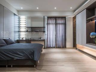 豪邸自建/和緯鼎園-韻墨:  臥室 by SING萬寶隆空間設計
