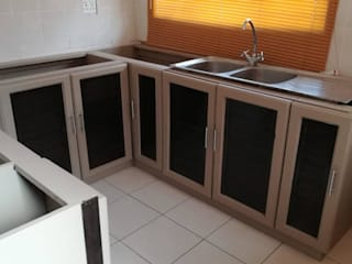 Kitchen Makeover by Apex Zone (Pty) Ltd Country
