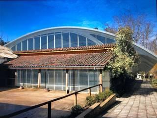 Piscina Termas Quinamavida, Linares de MRH Arquitectos Mediterráneo