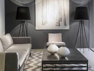 minimalist  by La Compañia muebles , Minimalist