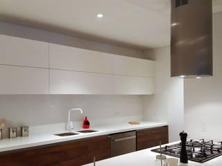 JADE PLUS Cocinas modernas de Milestone Moderno
