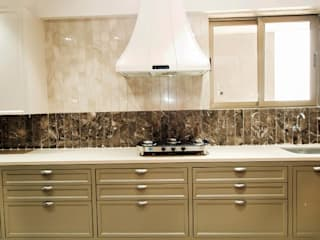 Residential Project :  Built-in kitchens by M DEZIGN,
