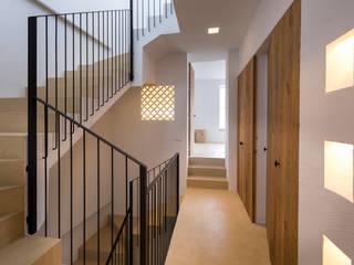 Alejandro Giménez Architects의  계단,