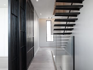 by GSQUARED architects Minimalist