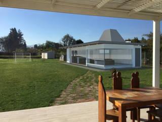Quincho EO:  de estilo  por MRH Arquitectos, Minimalista