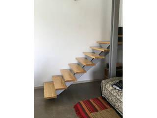 Vivienda rústica para desconectarse, en Cuenca: Escaleras de estilo  de Arte y Vida Arquitectura, Moderno