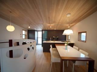 ダイニング キッチン: 株式会社高野設計工房が手掛けたダイニングです。,