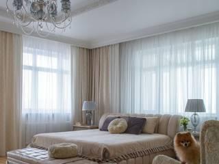Классическая квартира: Спальни в . Автор – Студия интерьеров Людмилы Пожидаевой, Классический