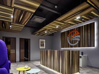 Дизайн офиса для консалтинговой компании в Москва-Сити Рабочий кабинет в стиле минимализм от Kovalev & partners Минимализм