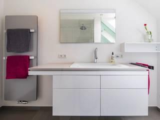 Duschbad Moderne Badezimmer von Bad&Design Rußin&Raddei Modern
