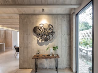 Casa PDC Pasillos, vestíbulos y escaleras modernos de Central de Proyectos SCP Moderno