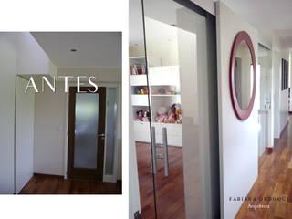 Pasillos y vestíbulos de estilo  de Fabiana Ordoqui  Arquitectura y Diseño.   Rosario | Funes |Roldán, Minimalista