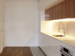Apartamento no Bairro Azul Cozinhas modernas por meta.atelier Moderno
