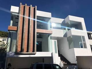 Casa Nueva, Cerrada del Club Chiluca, Atizapan de Zaragoza Casas modernas de De la Vega arquitectura Moderno